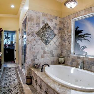 Master Bathroom00002