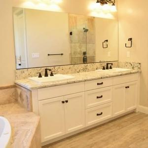 Master Bathroom00004