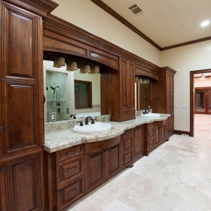 Master Bathroom00005